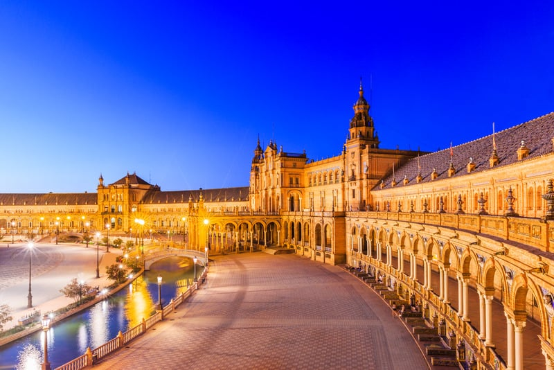 Things to do in Seville, Plaza de España
