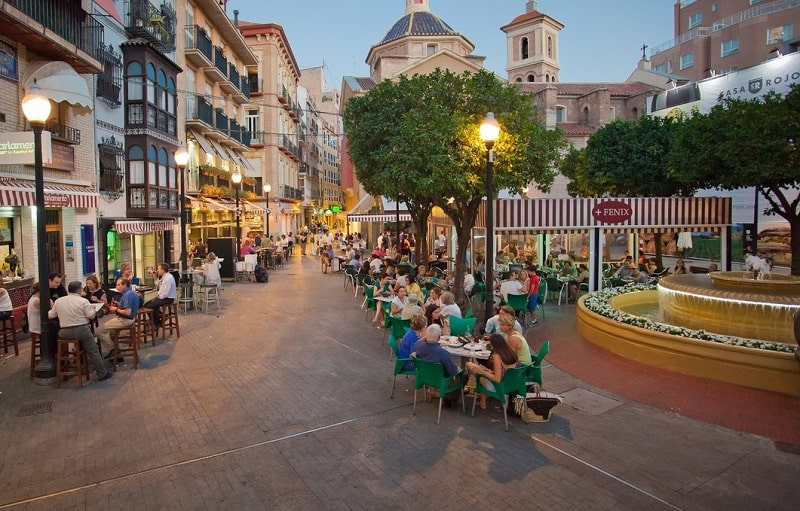 Things to do in Murcia, Plaza Flores