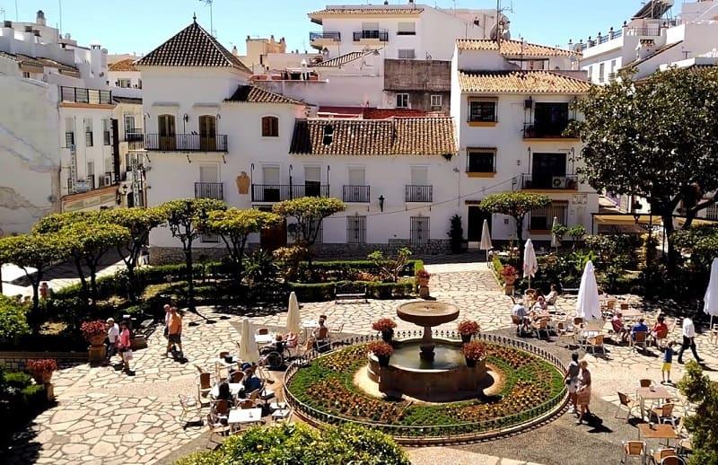 Things to do in Estepona, Plaza de las Flores
