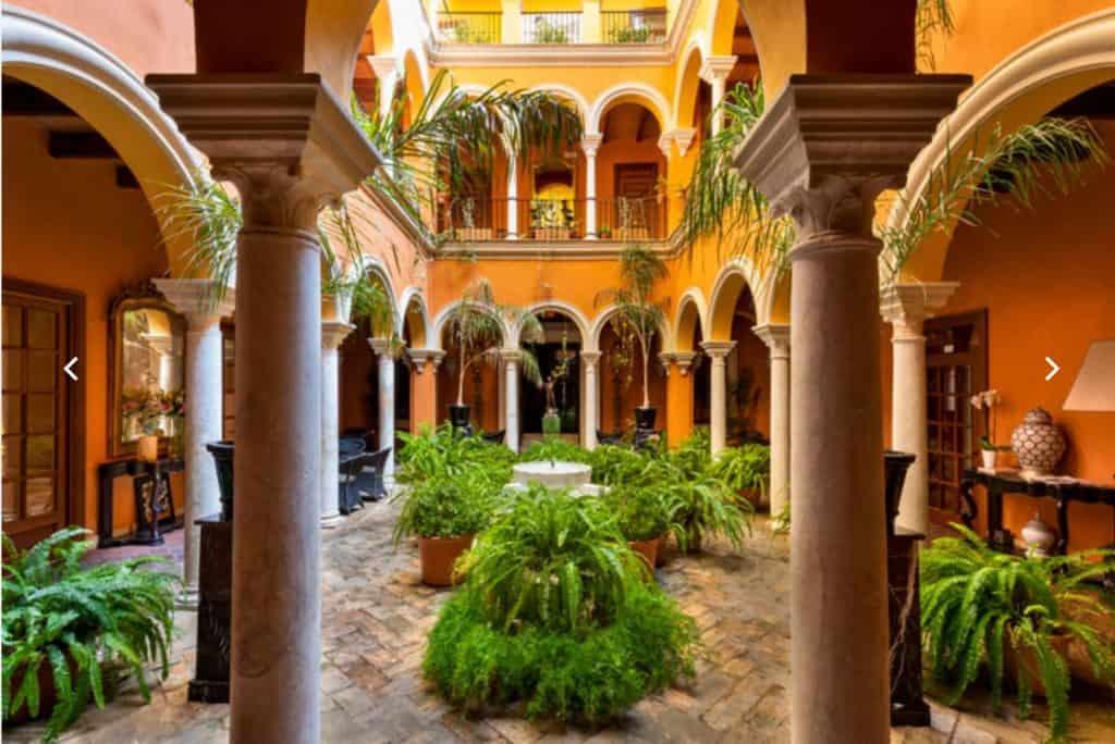 casa del poeta hotels in seville mid-range