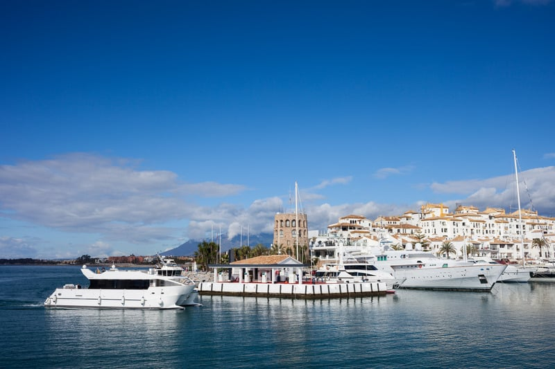 3 day itinerary Marbella, Have a sundowner cocktail in the Marina of puerto banus