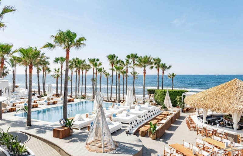 3 day itinerary Marbella, beach party in Nikki Beach Club