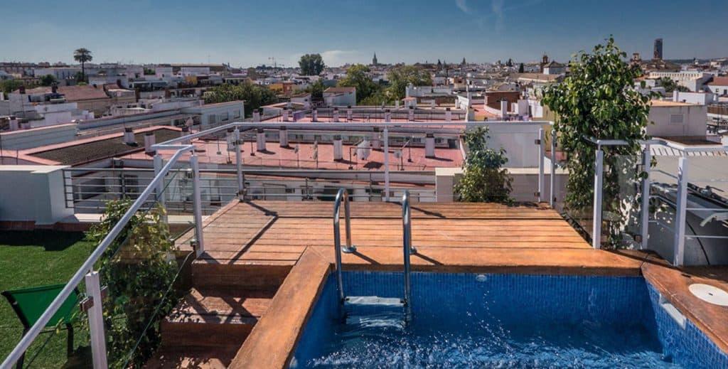 hotel plaza santa lucia, famiy hotel with pool in sevilla