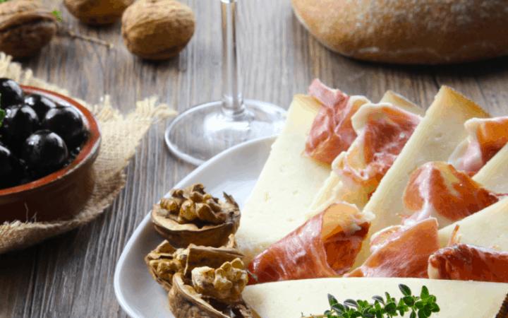 manhcego cheese and ham