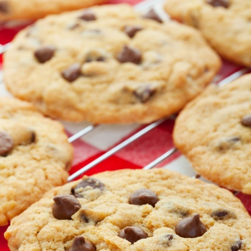 Background of the dish, easy chocolate chip cookie recipe.