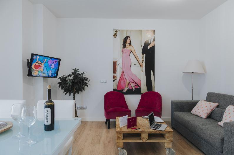 Caleta Homes - Apartamentos Pompidou, best family hotel in malaga
