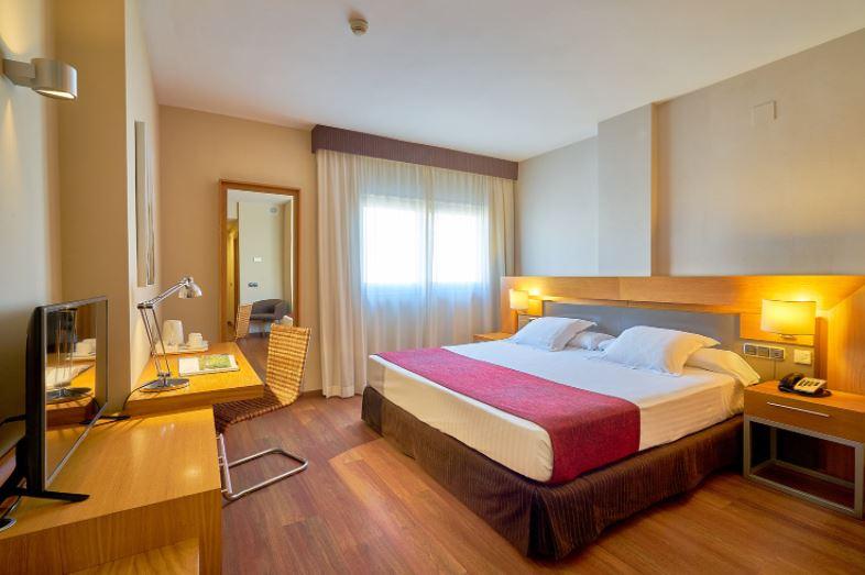 18 Best Cheap Hotels in Malaga, Hotel Hotel Guadalmedina