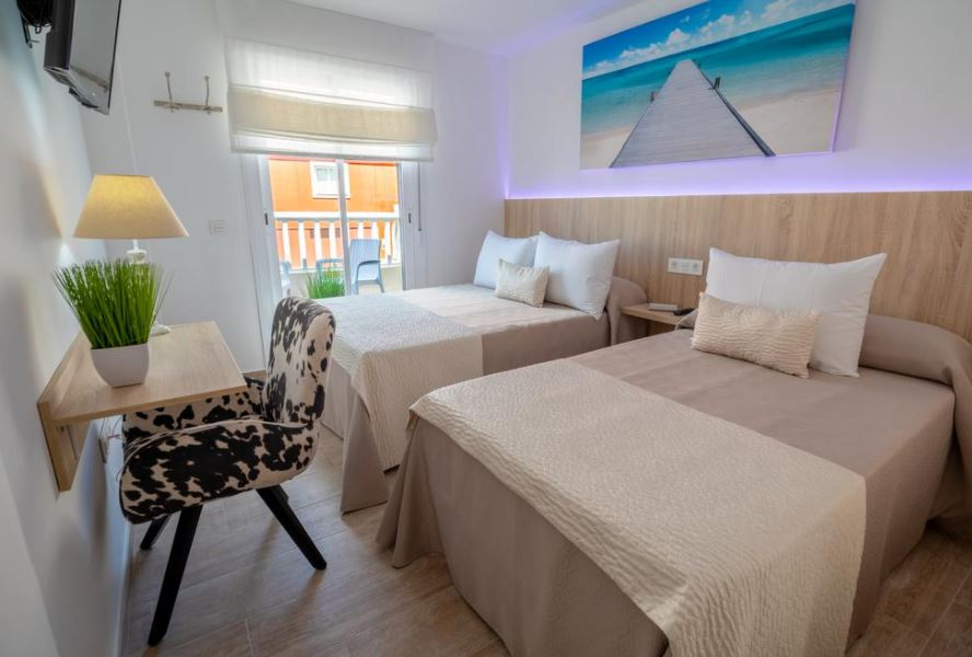18 Best Cheap Hotels in Malaga, Petit Malaga Congress
