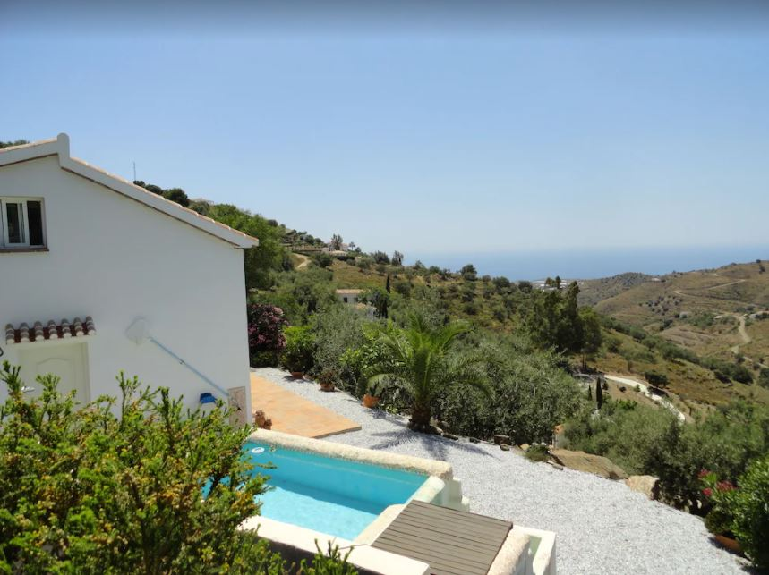Lone-standing Finca with Sea view & Pool, best holiday villas in malaga