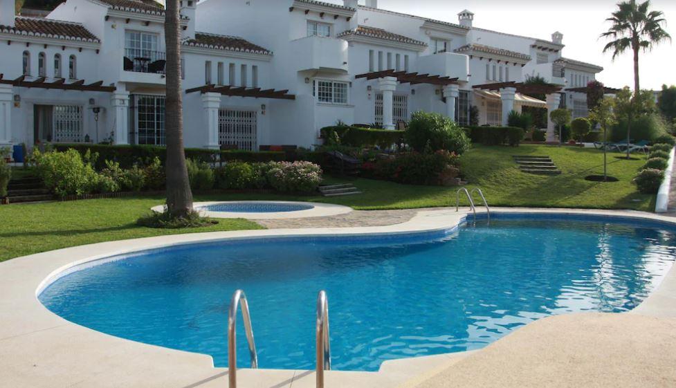 Luxury 4 bedroom Villa with Games Room, best holiday villas in malaga